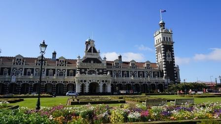 train station in Dunedin